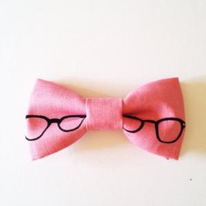 Cute pink glass pop fun bowtie pin ..